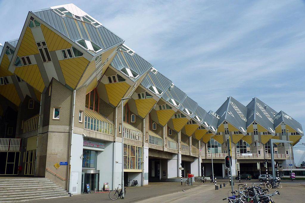 鹿特丹方體房屋街道- Raul Ayres作品 (維基百科)