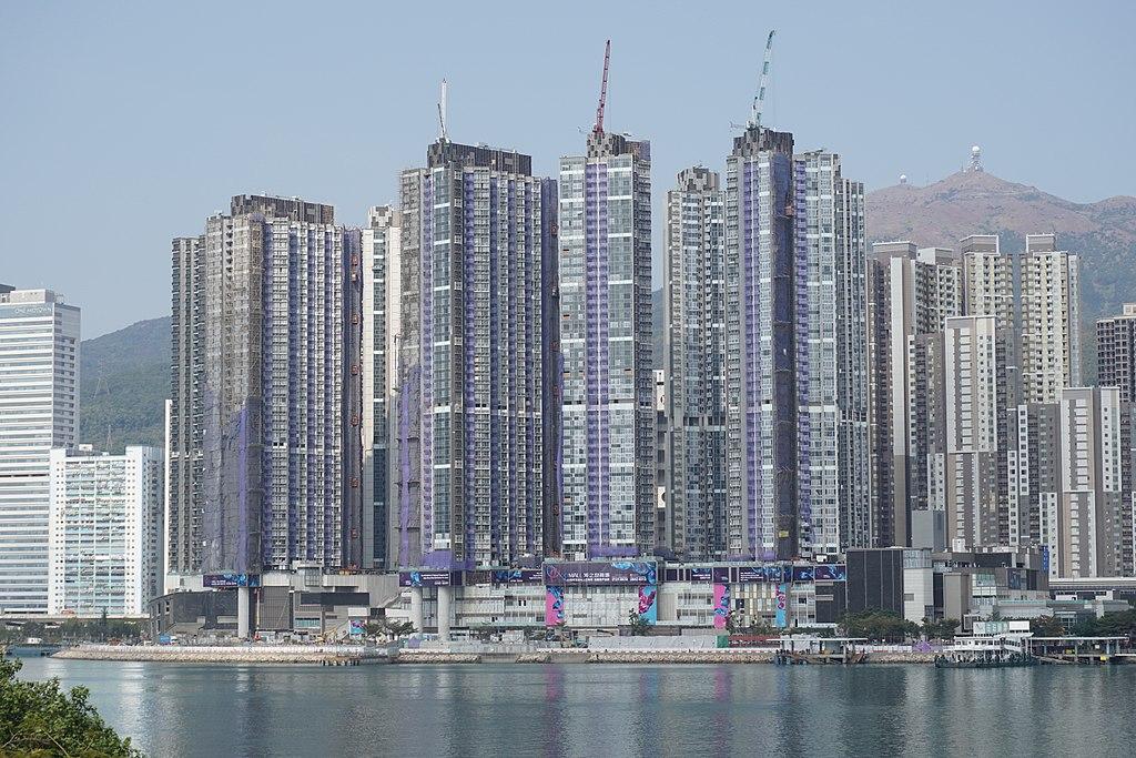 海之戀第一、二期外貌 - Prosperity Horizons作品 (維基百科)
